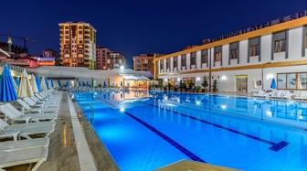 İstanbul Anadolu Yakası Havuzlu Otel En Uygun